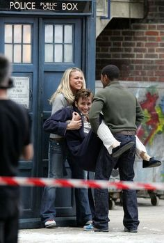 Don't know quite what's going on here, but it's pretty funny. Right after change from Eccleston to Tennant?