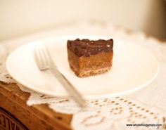 caramel slice with coconut oil