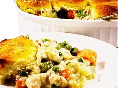 Chicken Pot Pie, Skinny-fied...How about this really yummy meal for dinner! The whole family will love it!!! This skinny chicken pot pie has only 266 calories, 6 grams of fat and 7 Weight Watchers POINTS PLUS per serving.