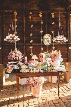 Noiva Rendada Inspirações para tornar o seu Grande Dia ainda mais perfeito.