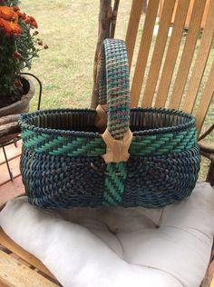 Oval Melon Egg Basket w/ Twill handle