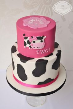 Moo cow birthday cake - Cake by Mrs Robinson's Cakes