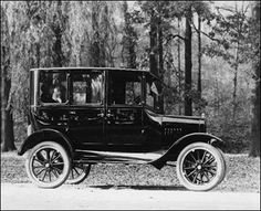 Limousine: Image courtesy of Philip Van Doren Stern, . Vintage Cars, Antique Cars, 1920s Car, Henry Ford, Ford Models, Classic Cars, Automobile, Landscape, Motorcycles