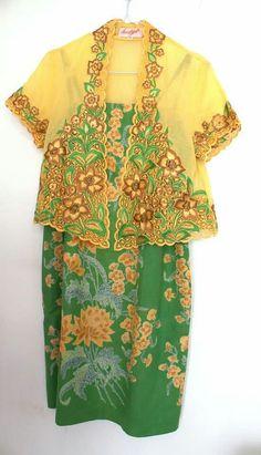 Yellow - Green Match Kebaya Lace, Batik Kebaya, Batik Dress, Indonesian Kebaya, Next Clothes, African Design, Cutwork, African Fabric, Cool Suits