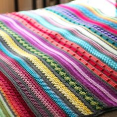 Fancy trying a myriad of new crochet stitches? I've made the crochet pattern for my rainbow sampler blanket available, for free! So go on and have a look.