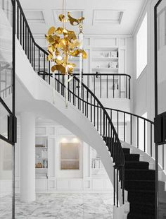 Modern Chandelier KELP FORTUNA collection by Brand van Egmond. Our modern luxury chandelier used in a private project. See more interior design lighting projects or other collections from our modern luxury lighting designs at WWW.COM Modern Lighting Design, Custom Lighting, Interior Lighting, Luxury Interior, Modern Interior Design, Luxury Lighting, Bedroom Lighting, Lighting Ideas, Interior Architecture