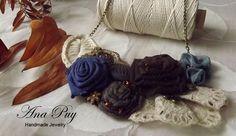 Collar hecho a mano. Visita mi tienda en: https://www.etsy.com/pt/shop/AnaPuyJewelry