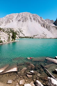 If you're looking for a California hike, the Big Pine North Fork in Inyo National Forest is calling your name. Complete guide and hike packing list. Beautiful Places To Visit, Cool Places To Visit, Cool Places In California, West Coast Trail, San Francisco, Hiking Photography, Mammoth Lakes, Colorado Hiking, France