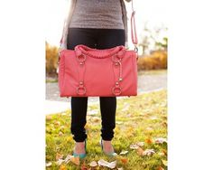Livy Camera Bag from Cheeky Lime $129  Love how its sooo pink, but its kinda too big?