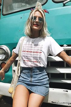 Forever 21 is the authority on fashion & the go-to retailer for the latest trends, styles & the hottest deals. Simple Summer Outfits, Basic Outfits, Skirt Outfits, Cool Outfits, Casual Outfits, Denim Mini Skirt, Mini Skirts, Forever 21, Shop Forever