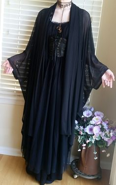 black all Bathroom Remodelling Ideas Maybe you've decided to remodel your bathroom or just give it a Witch Fashion, Gothic Fashion, Estilo Dark, Hippie Goth, Witch Outfit, Mori Fashion, Fete Halloween, Cool Outfits, Fashion Outfits