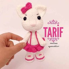 Crochet Dolls, Crochet Hats, Hello Kitty, Minnie Mouse, Free Pattern, Crochet Patterns, Teddy Bear, Diy Crafts, Photo And Video