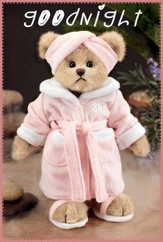 Patty Pampered by Bearington. Love this spa bear - looks just like me! Teady Bear, Teddy Bear Pictures, Teddy Bear Clothes, Boyds Bears, Love Bear, Cute Teddy Bears, Bear Art, Plush Animals, Childhood