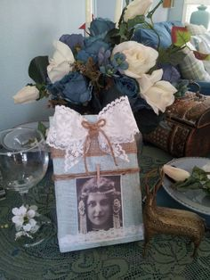 Rustic Wood Photo Holder with Lace Bow Jute by JuteAndThistle