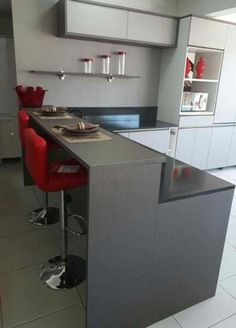 Styles Perfect for Your Tiny Kitchen Kitchen Room Design, Modern Kitchen Design, Home Decor Kitchen, Interior Design Kitchen, Kitchen Furniture, Laminate Kitchen Worktops, Modern Kitchen Cabinets, Kitchen Sets, Kitchen Backsplash