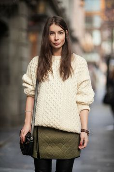 The Street Style Office Fashion, Daily Fashion, Winter Wear, Autumn Winter Fashion, Clothes Encounters, Jumper Outfit, Street Style, Up Girl, Fall Looks
