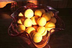 Apfelstrudel mit Bitterzitronen Table Lamp, Cooking, Breakfast, Food, Decor, Peach, Lemon, Apple Strudle, Baking Center