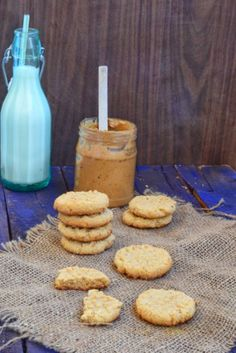 Crispy and crunchy peanut butter cookies.