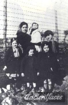 David Goldstein, Anna Goldstein, Sonia Goldstein, Renee Goldstein and Micha Goldstein taken in Poiters was murdered in Auschwitz on September 1942 at age 4 and 1 year months). Children And Family, Poor Children, Never Again, Lest We Forget, Losing A Child, Sad Stories, Anne Frank, Europe, Kids