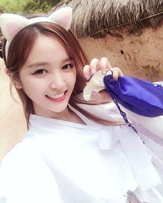 "WJSN ♡ Wu XuānYí 선의 • 吳宣儀 • 우쉬안이 IG 160722 ""Nine tailed fox Give me your liver~ㅎㅎㅎ It was scary!"" #우주소녀"