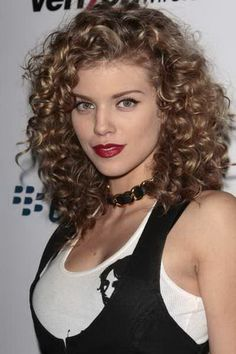 hairstyle for curly hair shoulder length