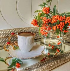 Article & Content Page Coffee Gif, I Love Coffee, My Coffee, Coffee Drinks, Coffee Cups, Tea Cups, Tea Restaurant, Good Morning Coffee, Morning Mood