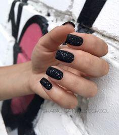 15 Amazing Matte Nail Designs Youll Want to Copy Black matte nails with gli Black Nails With Glitter, Matte Black Nails, Glitter Nails, Fun Nails, Nail Black, Glitter Makeup, Matt Nails, Matte Lip Color, Dipped Nails
