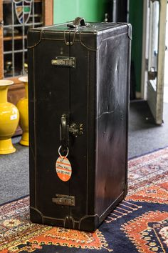 Lid incorporates clothes, main body has two fold down drawers. hangers Beautifully hand made, similar to Ghurka trunks or Louis Vu Antique Trunks, Vintage Trunks, Time Raiders, Old Fashioned House, Suitcase Bag, Retro Styles, Luggage Labels, Steamer Trunk, Trunks And Chests