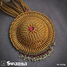 Indian Gold Jewellery Design, Gold Bangles Design, Indian Jewelry, Gold Jhumka Earrings, Gold Jewelry Simple, Necklace Set, Gold Necklace, South India, Indian Necklace