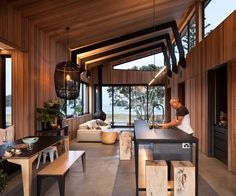 A new house on the waterfront at Mount Maunganui honours the 1940s cottage it replaced