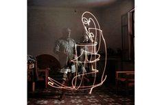 全てがピカソの線! 1949年の光のドローイング写真 | roomie(ルーミー)