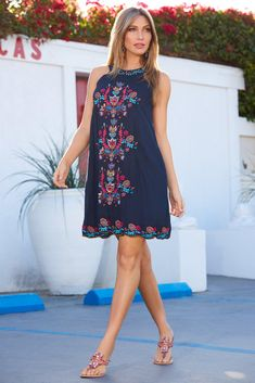 Your gauzy shift dress features a halter neckline and vibrant embroidered details for a classic boho look. This comfortable dress is finished with side seam pockets and a sca Dress Outfits, Casual Outfits, Fashion Outfits, Boho Dress, Dress Up, Travel Dress, Boho Look, Flare Dress, Boston Proper
