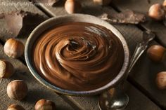 This creamy chocolate hazelnut butter recipe may not be Nutella, but it's so addictive you'll want to eat it by the spoonful. Hazelnut Butter, Peanut Butter, Nutella Fit, Nutella Vegan, Best Nutella Recipes, Nutella Pancakes, Food Buffet, Hazelnut Spread, Dairy Free Chocolate