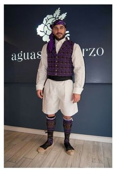 Aguas de Marzo- hombres Fantasy Costumes, Historical Costume, Hipster, Cosplay, Style, Fashion, Vestidos, Male Outfits, Ethnic Dress
