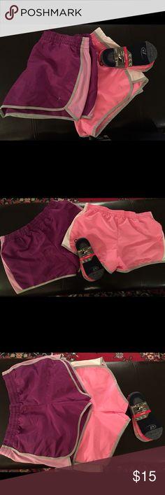 2 DANSKIN BUNDLE & SOCKS 2 DANSKIN BUNDLE & SOCKS: WOMEN SIZE M(8-10) Danskin Now Shorts