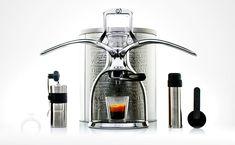 v Čechách se prodává tato kombinace kávovaru s s mlýnkem na www.justpresso.cz
