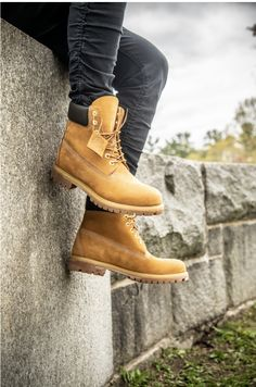 At Timberland, we're known for work boots - but with our leather boots, hiking boots and waterproof boots, there's something for everyone. Timberland Sneakers, Mode Timberland, Timberland Outfits Men, Timberland Boots Style, Sneakers Mode, Timberlands Shoes, Timberland Outlet, Sneakers Fashion, Sneaker Outfits