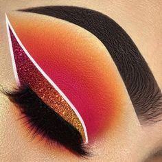 Our beauty slaying this glitter eyeliner wing using diamond dust colors shining orange, burnt bridges, danger zone. Source by doublefisttiffcool Our beauty. Edgy Makeup, Eye Makeup Art, Crazy Makeup, Skin Makeup, Eyeshadow Makeup, Zombie Makeup, Cool Makeup, Horror Makeup, Pretty Makeup