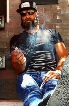 Man Smoking, Cigar Smoking, Pipe Smoking, Men Smoking Cigarettes, Hot Beards, Cigar Men, Hot Cops, Bald Men, Awesome Beards