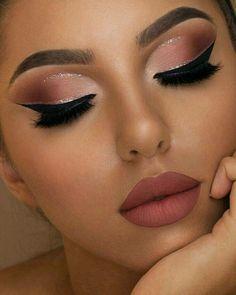 ec16b1eb6 22 imágenes más inspiradoras de maquillaje para vestido azul ...