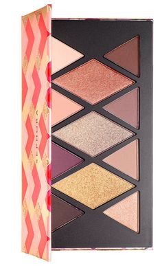 The full range of Sephora Holiday 2016 Makeup Palettes and Gift Sets have become available today at Sephora.com including the delightful Advent Calendar th