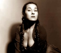 Yma Sumac, five octaves of pure power