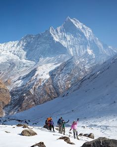 10 Reasons The Annapurna Circuit Needs To Be On Your International Hiking Bucket List Nepal Backpacking India, Backpacking South America, Vacation Trips, Vacation Spots, Vacation Travel, Nepal Trekking, Places To See, Hiding Places, Asia Travel