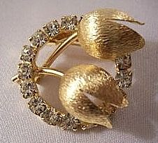 Tulips Circle Pin Brooch Gold Tone Vintage Brushed Flower Rhinestones | PrettyJewelryThingsStore - Jewelry on ArtFire
