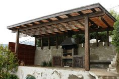 Quincho con techo de madera Patio Gazebo, Backyard Landscaping, Wood Fired Oven, Barbacoa, Swimming Pools, Deck, Exterior, Outdoor Structures, Landscape