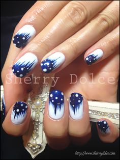 Blue Dipped & White Nail Art