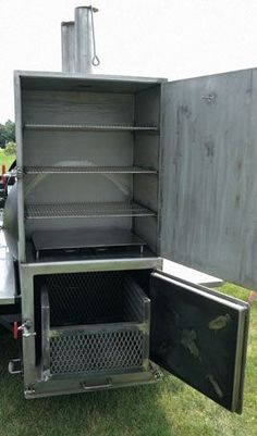 Built around a 500 gallon tank, the BBQ Smoker offers more than 45 square feet of cooking area. The smoker is ready to handle big events for people with big appetites. Bbq Smoker Trailer, Bbq Pit Smoker, Diy Smoker, Best Smoker, Barbecue Smoker, Bbq Grill, Homemade Smoker Plans, Bbq Meat, Custom Smokers