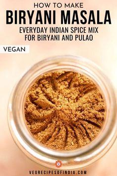 Masala Powder Recipe, Masala Recipe, Podi Recipe, Curry Recipes, Vegetarian Recipes, Cooking Recipes, Kitchen Recipes, Curry Spices, Biryani Recipe