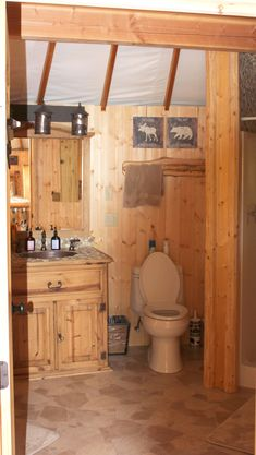 Yurt Bathroom and Kitchen - Bing Images White Bathroom Tiles, Shiplap Bathroom, Master Bathroom, Bathroom Remodeling, Vacation Rentals By Owner, Black Rooms, Black And White Tiles, Garden Tub, Beautiful Kitchens