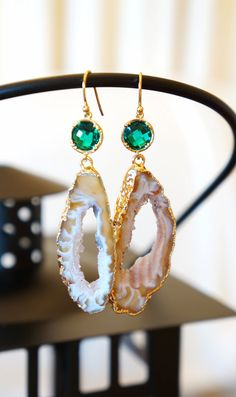 Creamed Agate Geode Earrings  Agate Earrings  by VintagePinch #etsy #handmade #instyle #mystyle #bridal #weddings #weddingblogger #blogger #newpost #whatiwore #anthropologie #vogue #teacherstyle #fab #nyblogger #sfblogger #bostonblogger #latina #momblogger #momfashion #fashionista #fashionblogger #trendy #weekendlook
